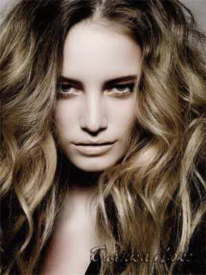 Укладка волос для брюнеток фото