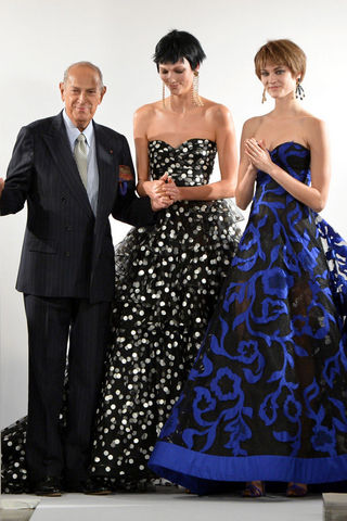 oscar-de-la-renta-vystavka-five-decades-of-style-02