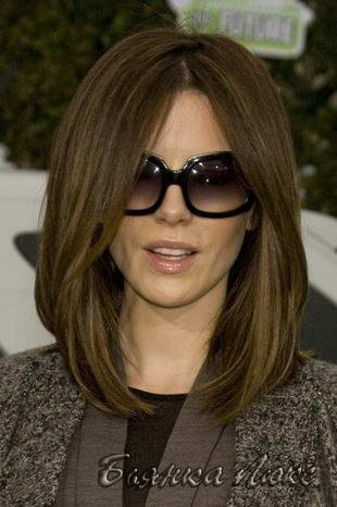 Причёски на средней длины волосы с чёлкой фото